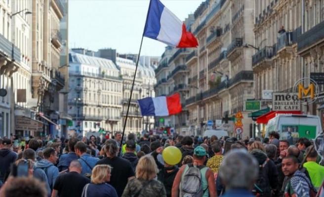 Fransa'da sarı yeleklilerin gösterileri 52. haftasında