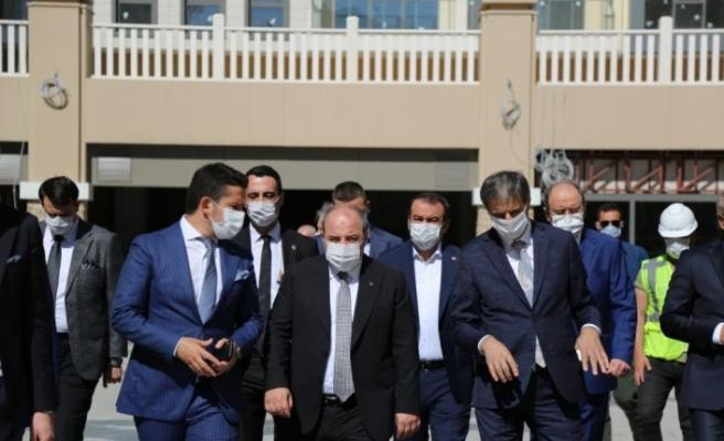 Bakan Varank, Serdivan Belediyesi'ni ziyaret etti
