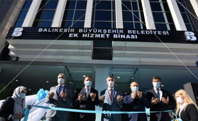Edremit ve Burhaniye'de Balıkesir Büyükşehir Belediyesinin ek hizmet binaları açıldı