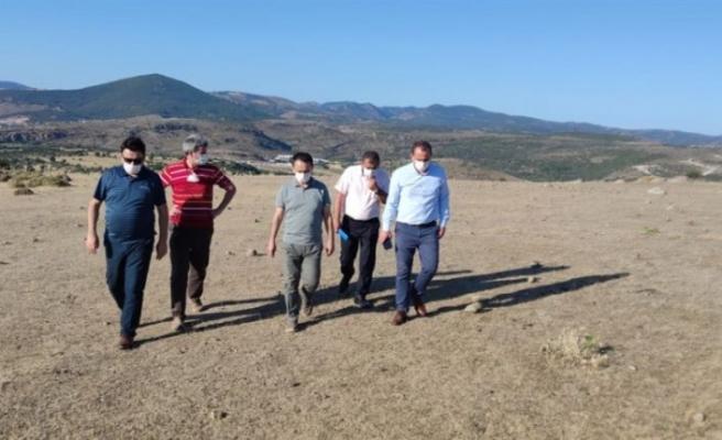 Vali Aktaş jeotermal sera alanında incelemelerde bulundu