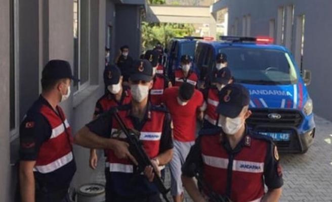 Bursa'da annesini bıçaklayıp parasını gasbetti