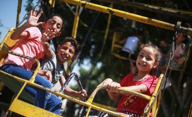 Gazze'de zor koşullara rağmen bayram sevinci yaşanıyor