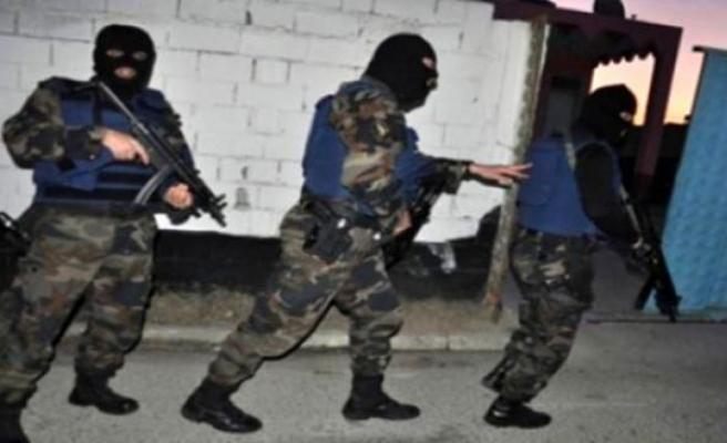 Bursa'da fabrikaya polis baskını