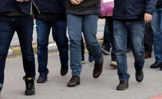 16 ilde düzenlenen FETÖ operasyonunda gözaltına alınan 22 kişiden 2'si tutuklandı