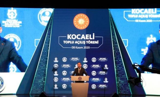 Bakan Kasapoğlu, Kocaeli'de temel atma ve açılış törenine katıldı