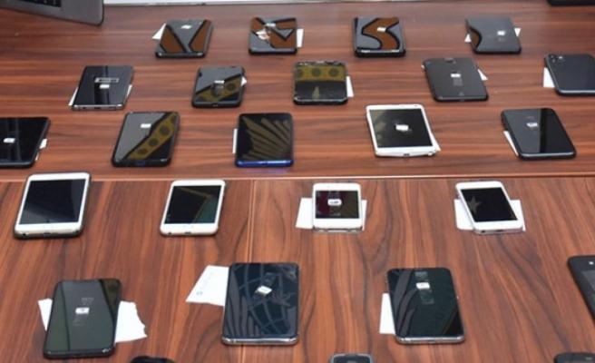 Edirne'de gümrük kaçağı 2 bin 592 cep telefonu ele geçirildi