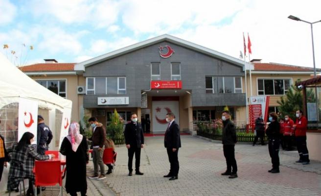 Edirne'de Türk Kızılaya kan bağışı seferberliği büyük ilgi gördü
