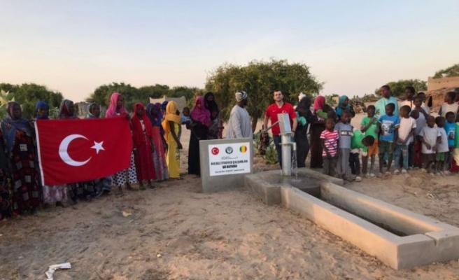 Kocaeli'ndeki itfaiyecilerin desteğiyle Afrika'da su kuyusu açıldı