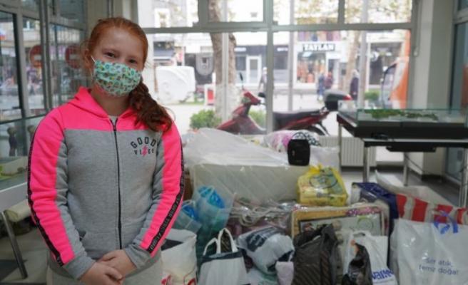10 yaşındaki Ekin İzmir'e gözyaşları içinde maske bağışında bulundu