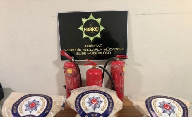 Tekirdağ'da bir otomobilde yangın tüplerine gizlenmiş 18 kilogram eroin ele geçirildi