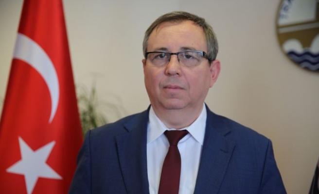 """TÜ Rektörü Tabakoğlu: """"Kovid-19 hastalığına yakalanan hastaların yüzde 5'inde zatürre gelişiyor"""""""