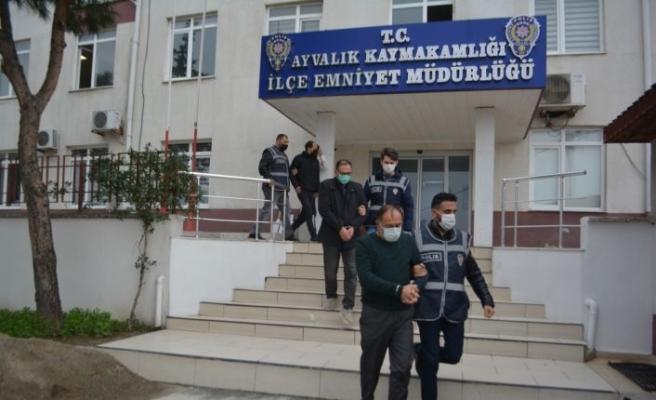 Balıkesir'de define yalanıyla dolandırıcılık yaptıkları iddia edilen 6 şüpheli yakalandı