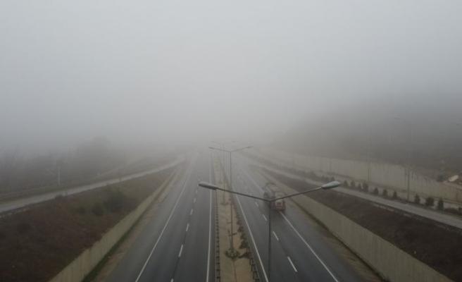 Bilecik'te yoğun sis etkili oldu
