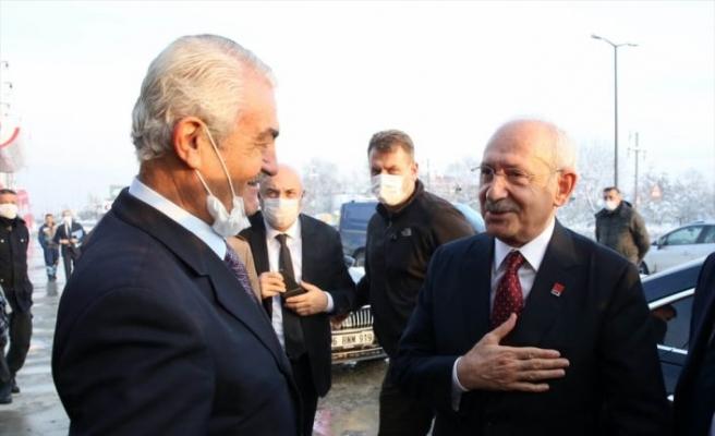 CHP Genel Başkanı Kılıçdaroğlu, Sakarya ve Düzce'de temaslarda bulundu