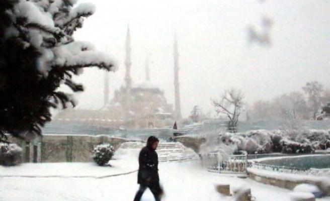 """Edirne'nin meşhur """"kuru soğuğu"""" kenti olumsuz etkiledi"""