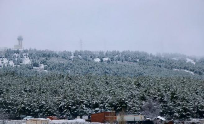 Eskişehir, Kütahya ve Balıkesir'de yılın ilk kar yağışı