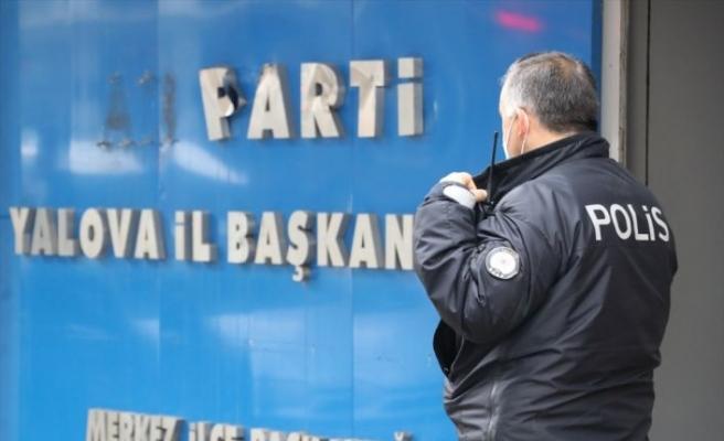 AK Parti tabelasına zarar veren şüpheli yakalandı