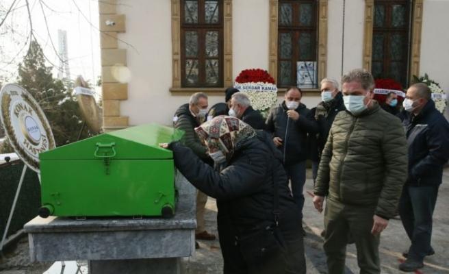 Kartepe'de ters dönmüş aracının içinde ölü bulunan doktor için cenaze töreni