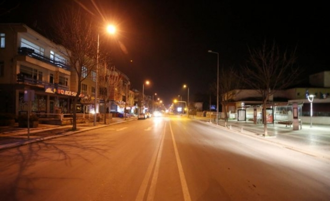Kocaeli'de Anadolu Otoyolu'ndaki kaza nedeniyle Ankara yönü trafiğe kapandı