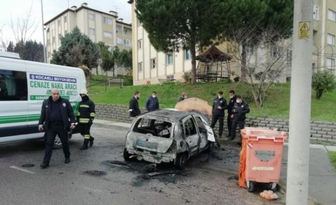 Kocaeli'de yanan otomobilde erkek cesedi bulundu