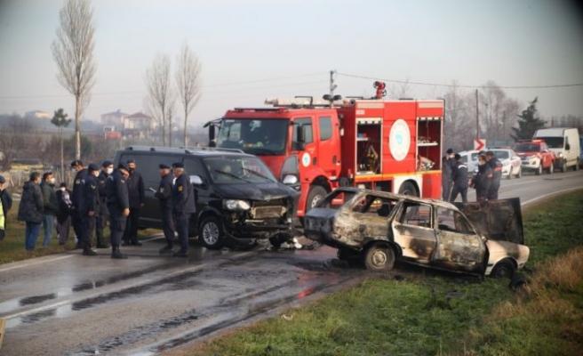 Tekirdağ'da otomobil ile minibüs çarpıştı: 1 ölü, 3 yaralı