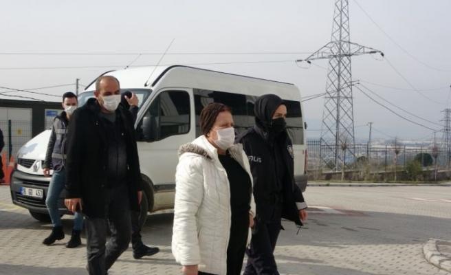 Bursa'da evde ölü bulunan kadının gözaltına alınan ağabeyi ve yengesi adliyede