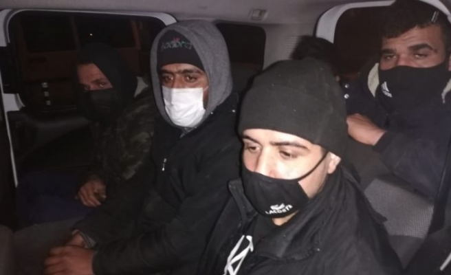 Kırklareli'nde göçmen kaçakçılığı iddiasıyla gözaltına alınan 4 şüpheliden 3'ü tutuklandı