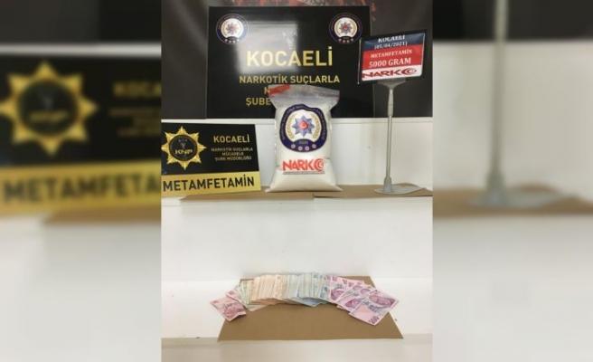 Kocaeli'de uyuşturucu operasyonunda 3 şüpheli yakalandı