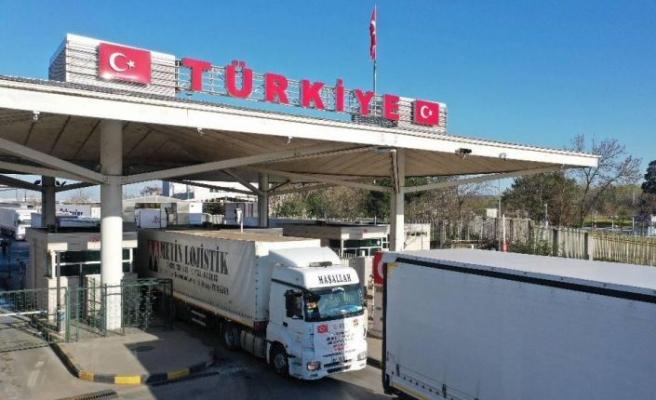 Vakıflar Genel Müdürlüğünün yardım tırları Balkanlar'a doğru yola çıktı