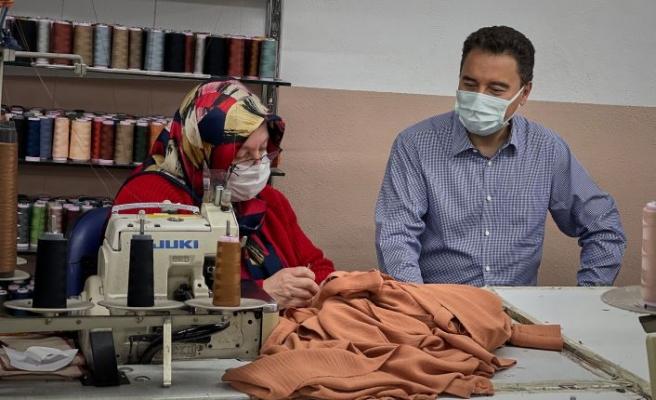 Babacan'dan maske üreten tekstil atölyesine ziyaret  'İşçiler hayat kurtarıyor'