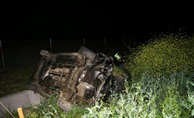 Kuzey Marmara Otoyolu'nda domuza çarparak devrilen otomobildeki 6 kişi yaralandı