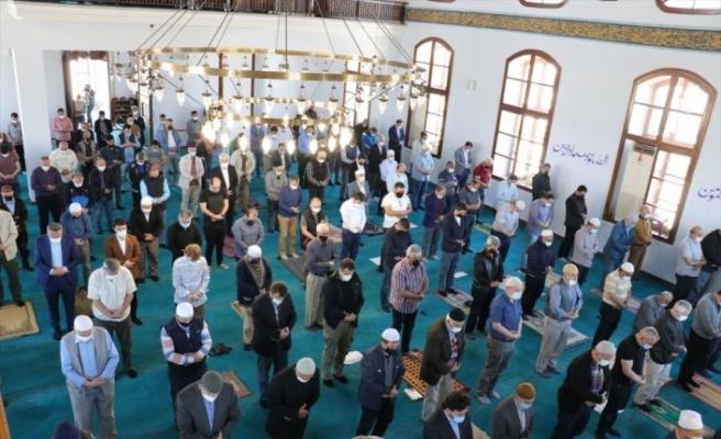 Sakarya'da Mescid-i Aksa için dua eden Diyanet İşleri Başkanı Erbaş: