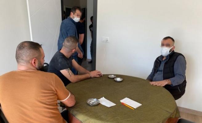 Tekirdağ'da kumar oynayan ve Kovid-19 tedbirlerini ihlal eden 14 kişiye para cezası uygulandı