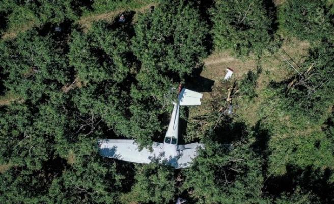 Bursa'da eğitim uçağı meyve bahçesine acil iniş yaptı