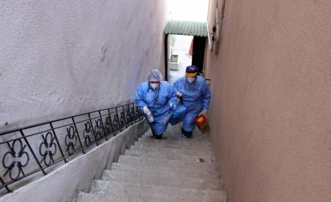 Edirne'de mobil ekipler engellilerin Kovid-19 aşılarını evlerinde yapıyor