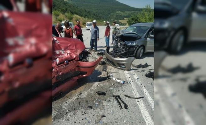 GÜNCELLEME - Sakarya'da panelvanla çarpışan otomobildeki yaşlı çift öldü