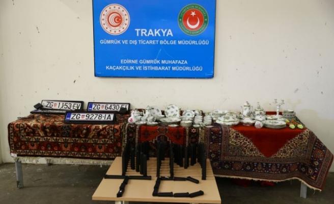 Kapıkule Sınır Kapısı'nda gümrük muhafaza ekiplerince otomatik silah şarjörleriyle çok sayıda kaçak eşya yakalandı
