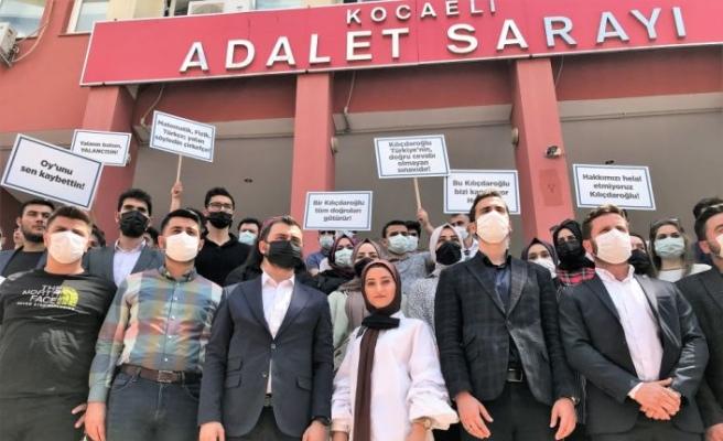 Kocaeli'de üniversite sınavına giren gençler, CHP Genel Başkanı Kılıçdaroğlu'na 1 liralık manevi tazminat davası açtı