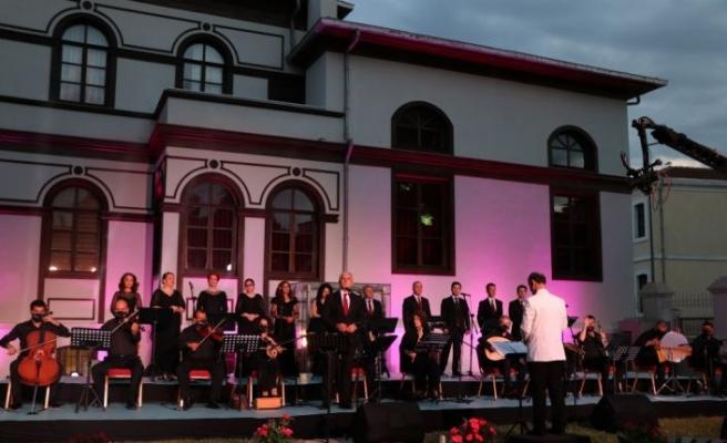 """Edirne'de salgın nedeniyle ara verilen konserler """"Balkan ezgileriyle"""" yeniden başladı"""