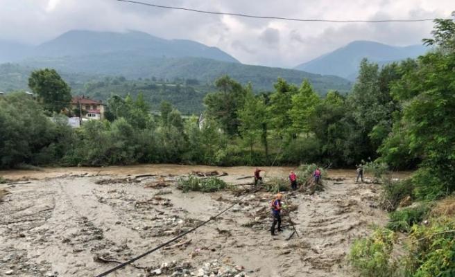 Sakarya'da selde kaybolan 78 yaşındaki kişinin bulunması için çalışma başlatıldı