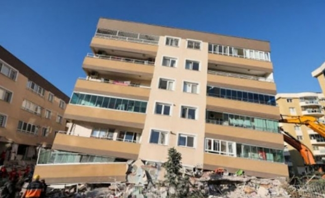 Güngören'de 3 katlı binada çıkan yangın hasara neden oldu