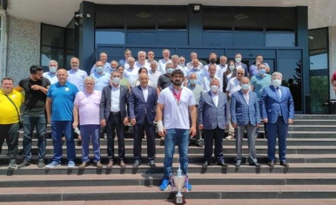 Kırkpınar'da finalde Ali Gürbüz'e kaybeden İsmail Koç, seneye altın kemeri almak istiyor