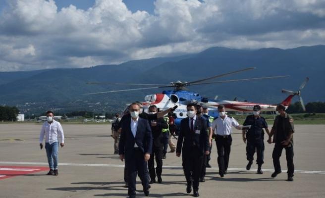 Kocaeli Valisi Yavuz, kentteki bayram trafiğini havadan denetledi: