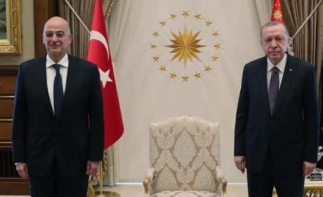 Sert Türkiye çıkışlarıyla bilinen Yunan Bakan Dendias'tan, Atatürk vurgulu Erdoğan övgüsüSert Türkiye çıkışlarıyla bilinen Yunan Bakan Dendias'tan, Atatürk vurgulu Erdoğan övgüsü