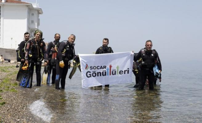 SOCAR Gönüllüleri'nden Marmara Denizi'nde müsilaj ve çöp temizliği