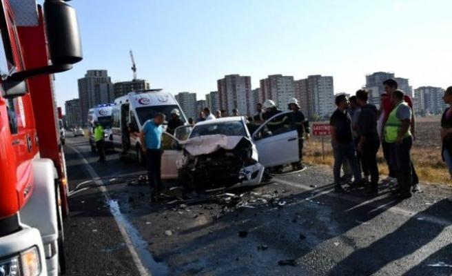 Tekirdağ'da otomobilin çarptığı iki kişi öldü
