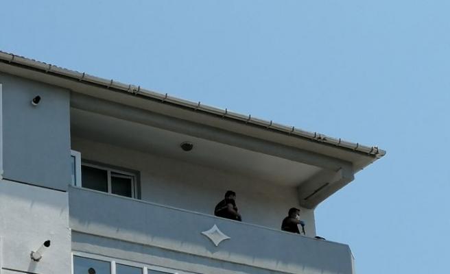 Tekirdağ'da 5 katlı binanın balkonundan otomobilin üzerine düşen kadın öldü