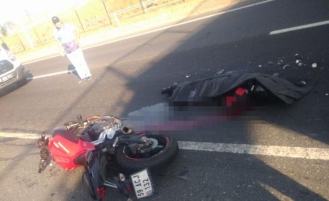 Tekirdağ'da tırla çarpışan motosikletin sürücüsü öldü