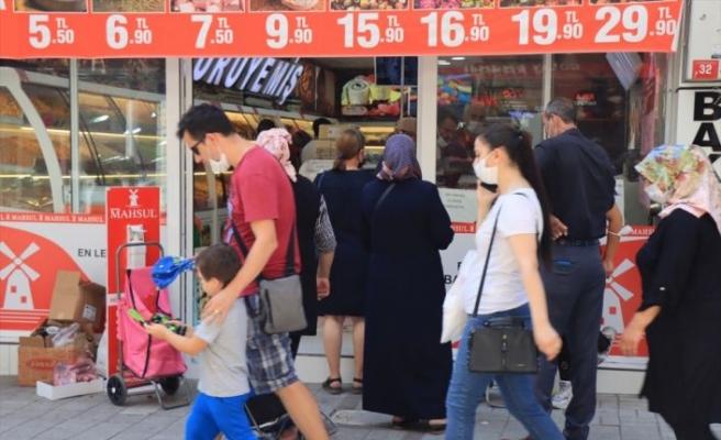 Trakya'nın caddelerinde arife nedeniyle alışveriş yoğunluğu yaşanıyor