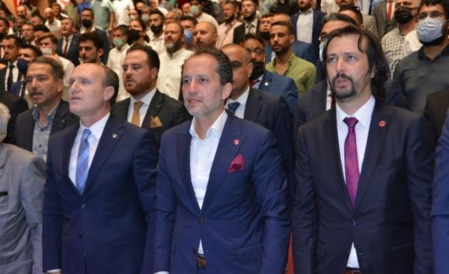 Yeniden Refah Partisi Genel Başkanı Erbakan, partisinin Balıkesir İl Kongresine katıldı: